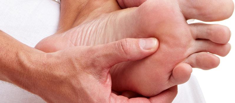 ¿Te duele al apoyar la parte interna del pie para dar el paso?