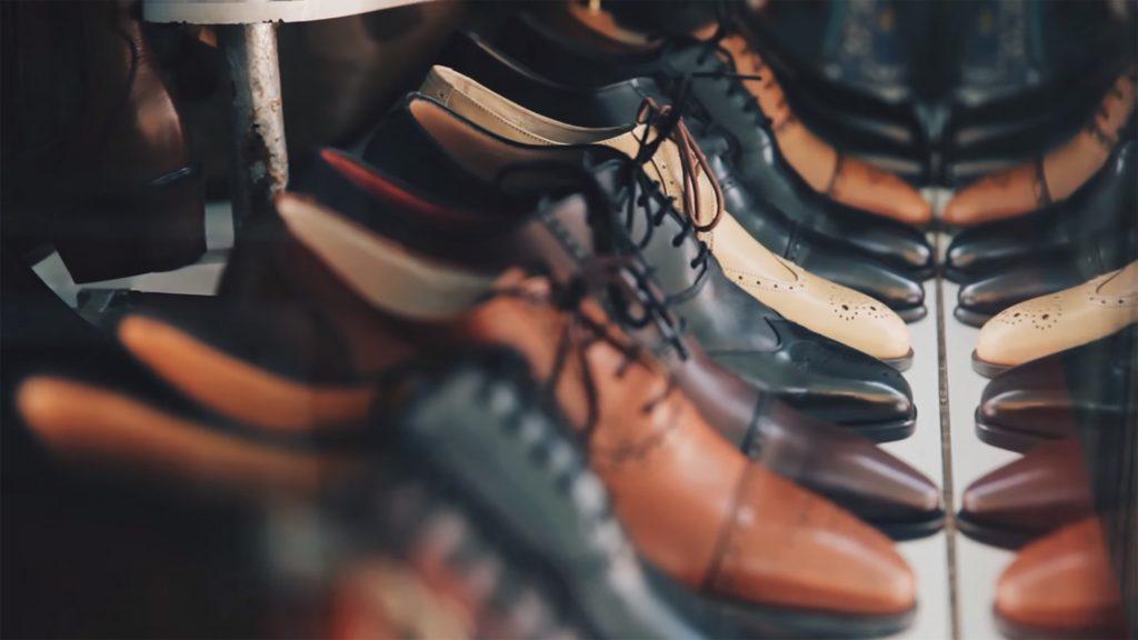 ¿Sabes cual es la mejor hora del día para comprar zapatos? Fuente: Unsplash.